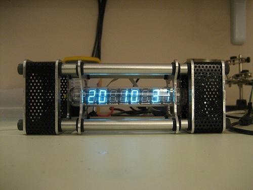 TC18 IV 18 VFD Russian Tube Clock by Jason von Nieda