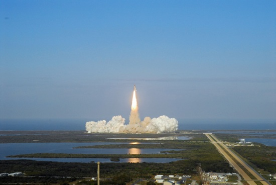 Shuttle-Discovery-Sts133-View