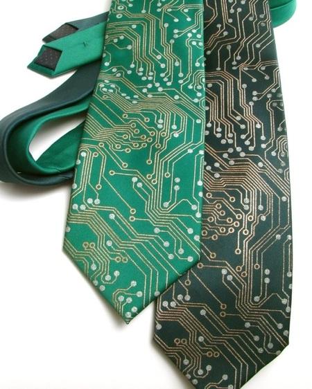 Circuit-Board-Tie-20110406-082320