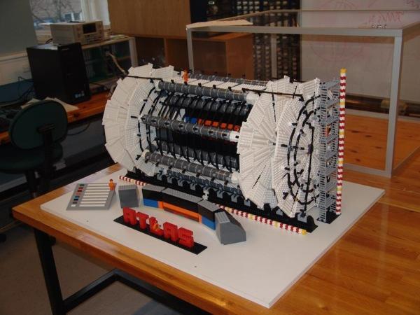 2011-11-10 10-21-41 Atlas Lego Model