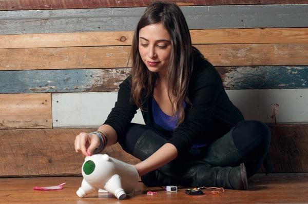 Ayah-Bdeir-Plays-With-Her-Kit-Photo-Credit-Zack-Dezon