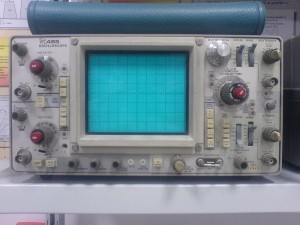 Tektronix_465_Oscilloscope