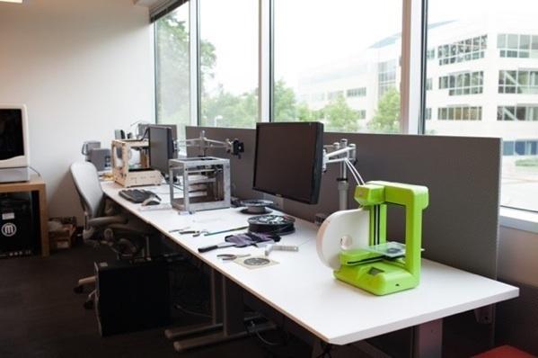 8176 3D Printing 1 thumb 68AE6F77