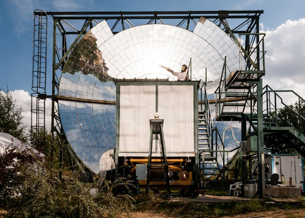 dezeen_SOLAR-ANECHOIC-by-Alastair-Philip-Wiper_ss_1