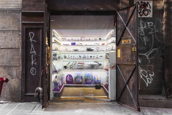 popup-museum-nyc-elevator-designboom-02