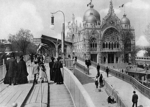 1900 wooden moving sidewalk