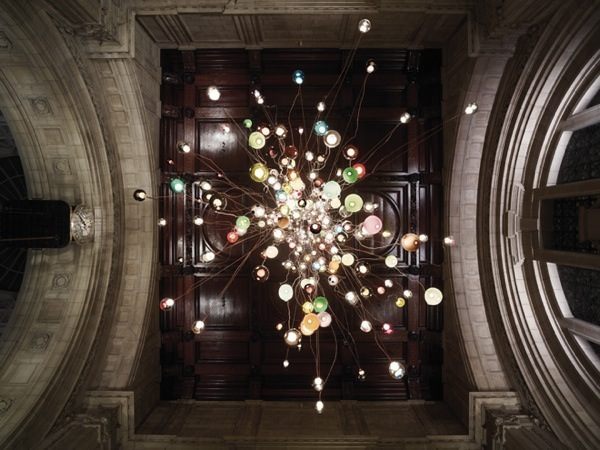 2-bocci-28-280-light-installation-at-the-victoria-albert-museum-for-the-london-design-festival-2013