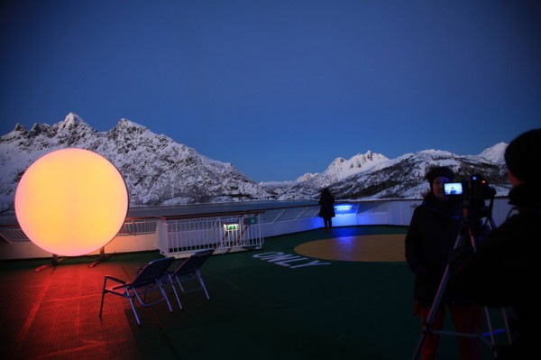 lisa-pacini-and-christine-istad-traveling-LED-sun-designboom-05