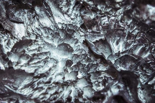 magnetic-moon-dress-iris-van-herpen-x-jolan-van-der-wiel-designboom-06