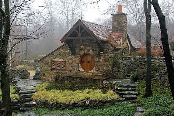 Real hobbit house 01