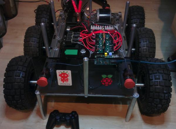 DoodleBorg Our V1 Raspberry Pi tank PiBorg