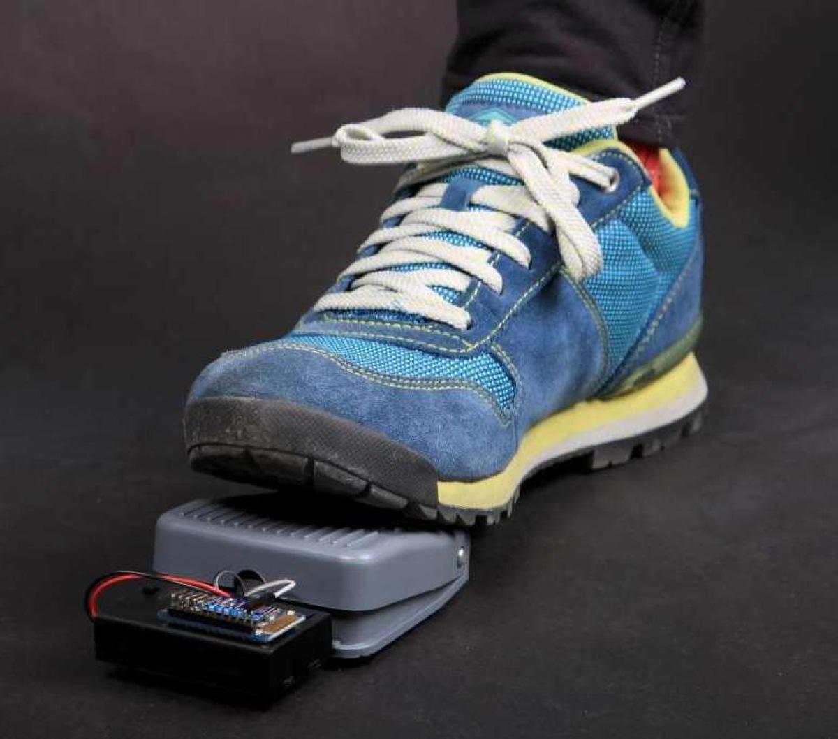 """Tutorial: Bluefruit """"BlueFoot"""" Wireless Foot Switch « Adafruit ..."""