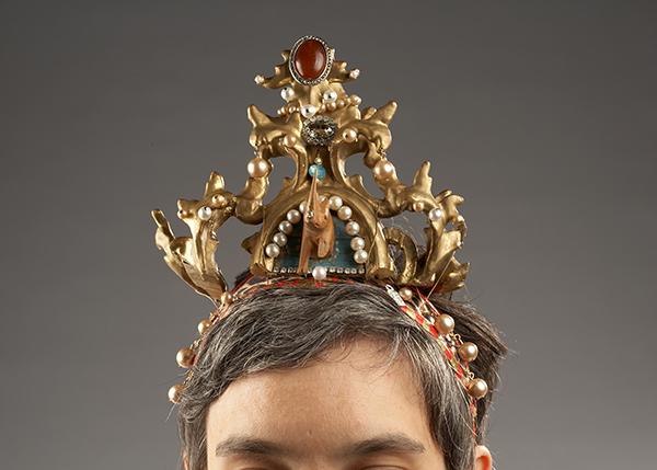 frame tiara