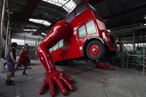 London bus sculpture jpg 640×427 pixels
