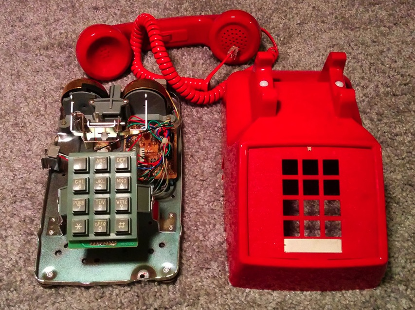 Dial-A-Song Builds Voicemail Music Box into Old Phone #piday