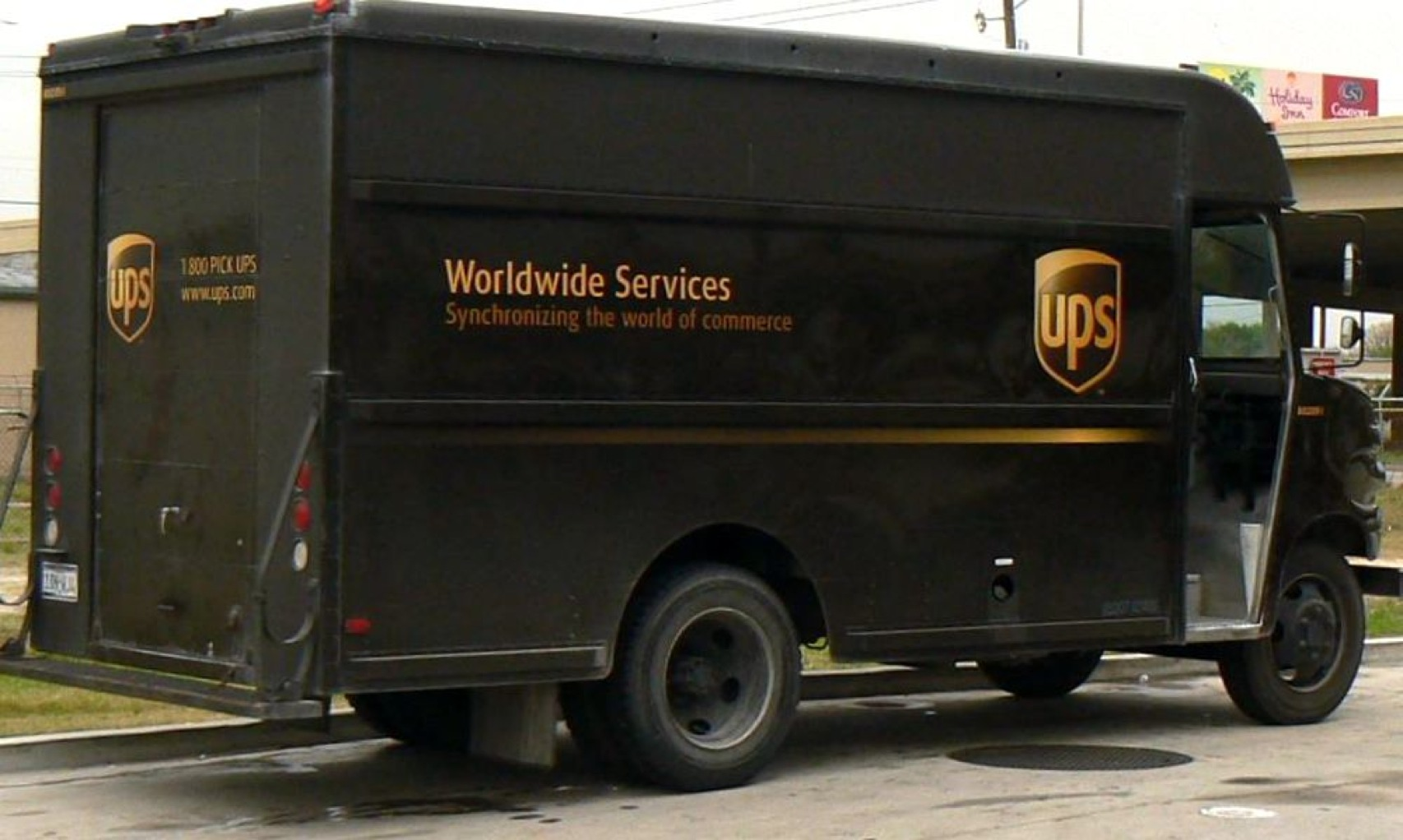 Ups Packagecar 2344949376 74Be4Af25F O Cropped-1