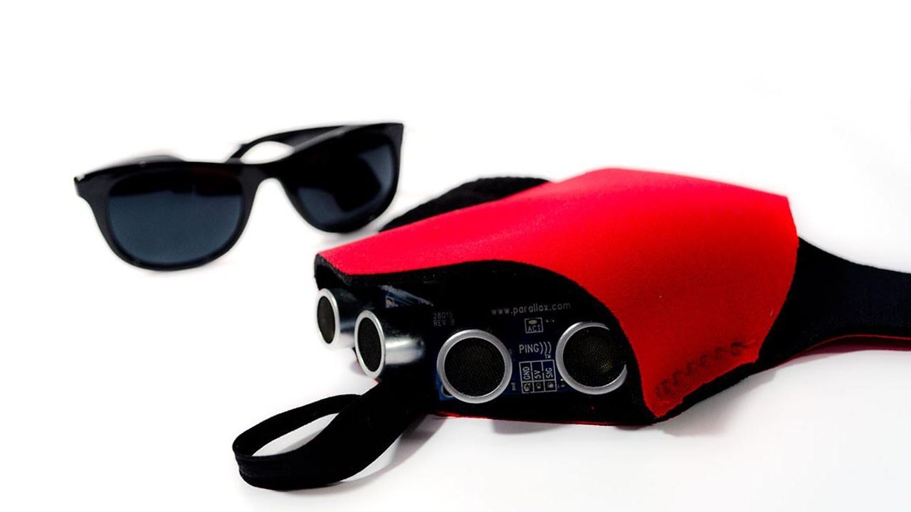 """Build a Haptic Glove That Allows the Blind to """"See"""" With Sonar (DIY Project) #Wearables"""
