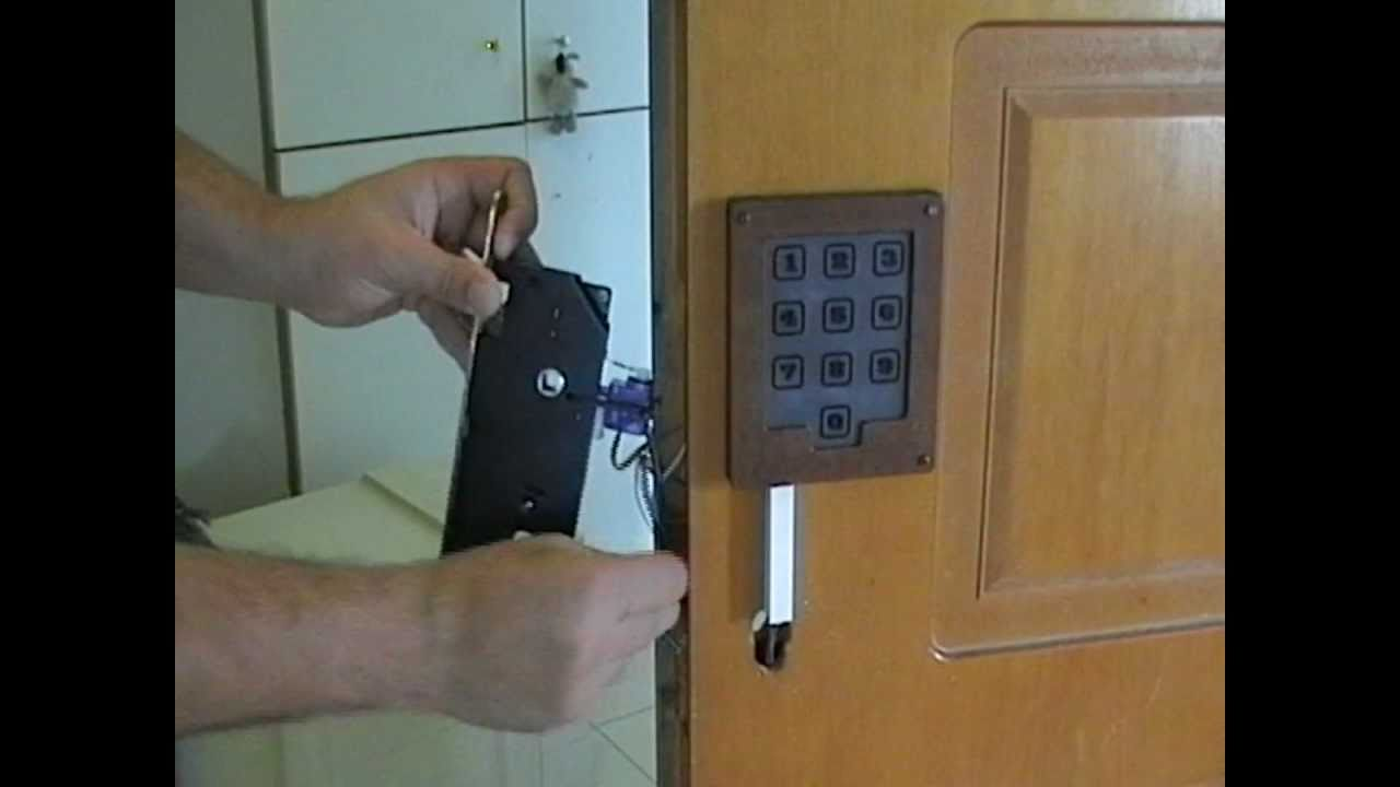 Diy Servo Actuated Door Keylock Hack With Capacitance