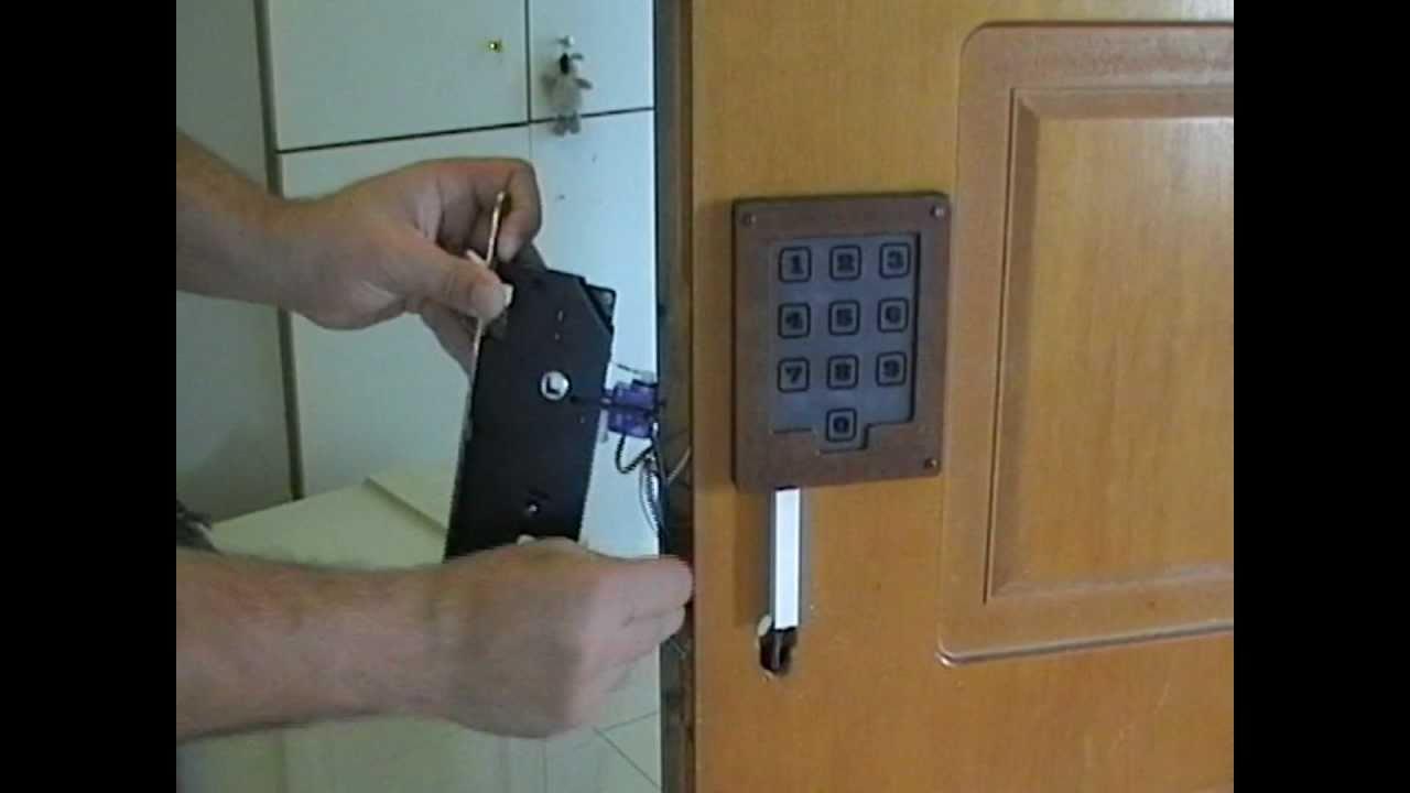 Diy Servo Actuated Door Keylock Hack With Capacitance