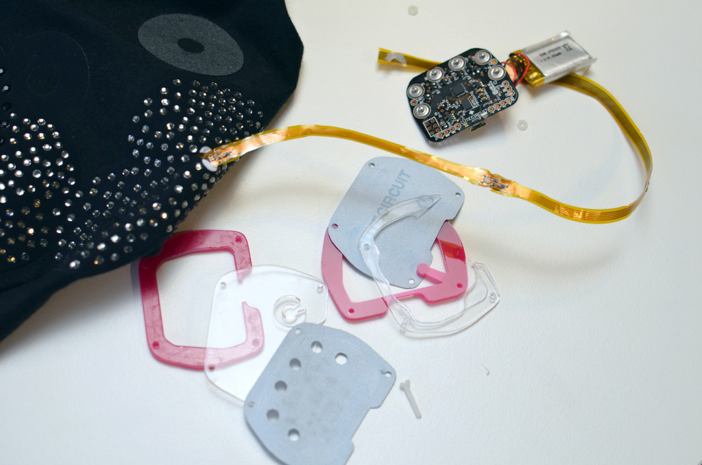 force___flex_twinkle-shirt-teardown-adafruit-10