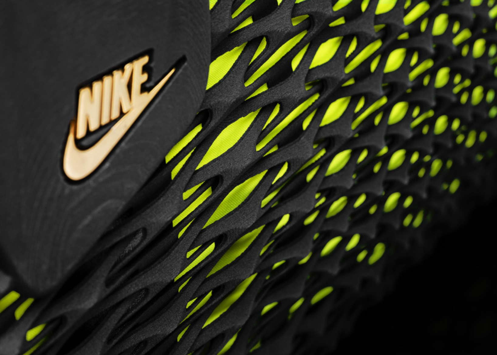 Nike-Rebento-3D-Printed-Bag-Designboom04
