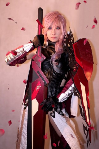 Final Fantasy XIII Lightning Returns Savior Cosplay