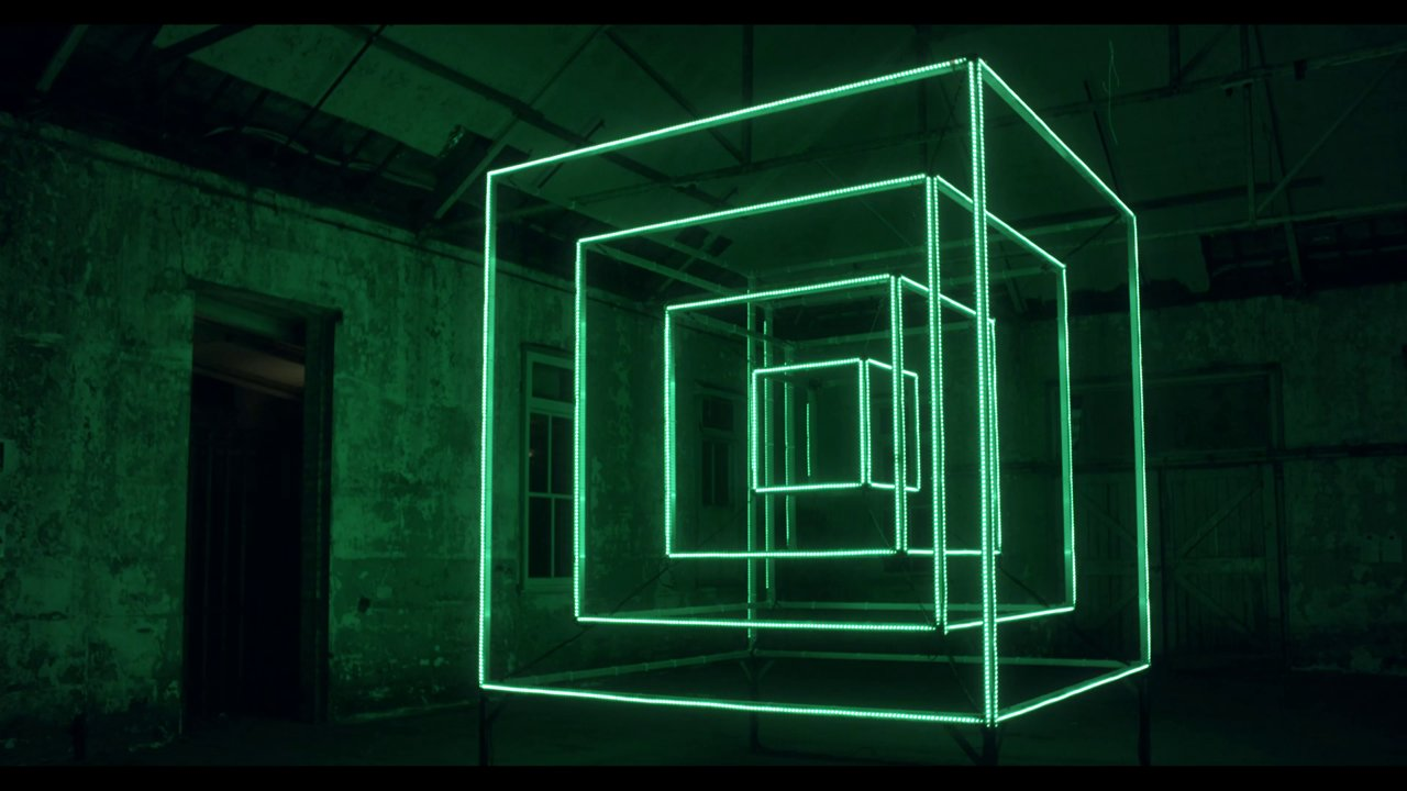 Hypercube  120 Meters Of Programmable Leds On A Concentric