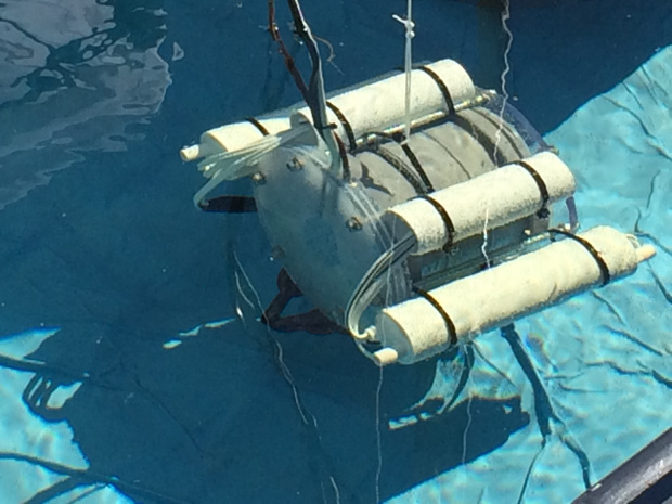 A Raspberry Pi Powered Underwater Rov At Maker Faire