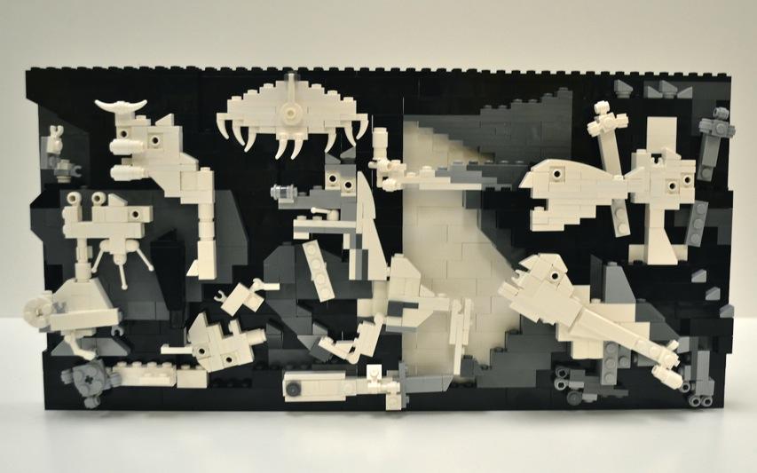 Lego picasso guernica 4