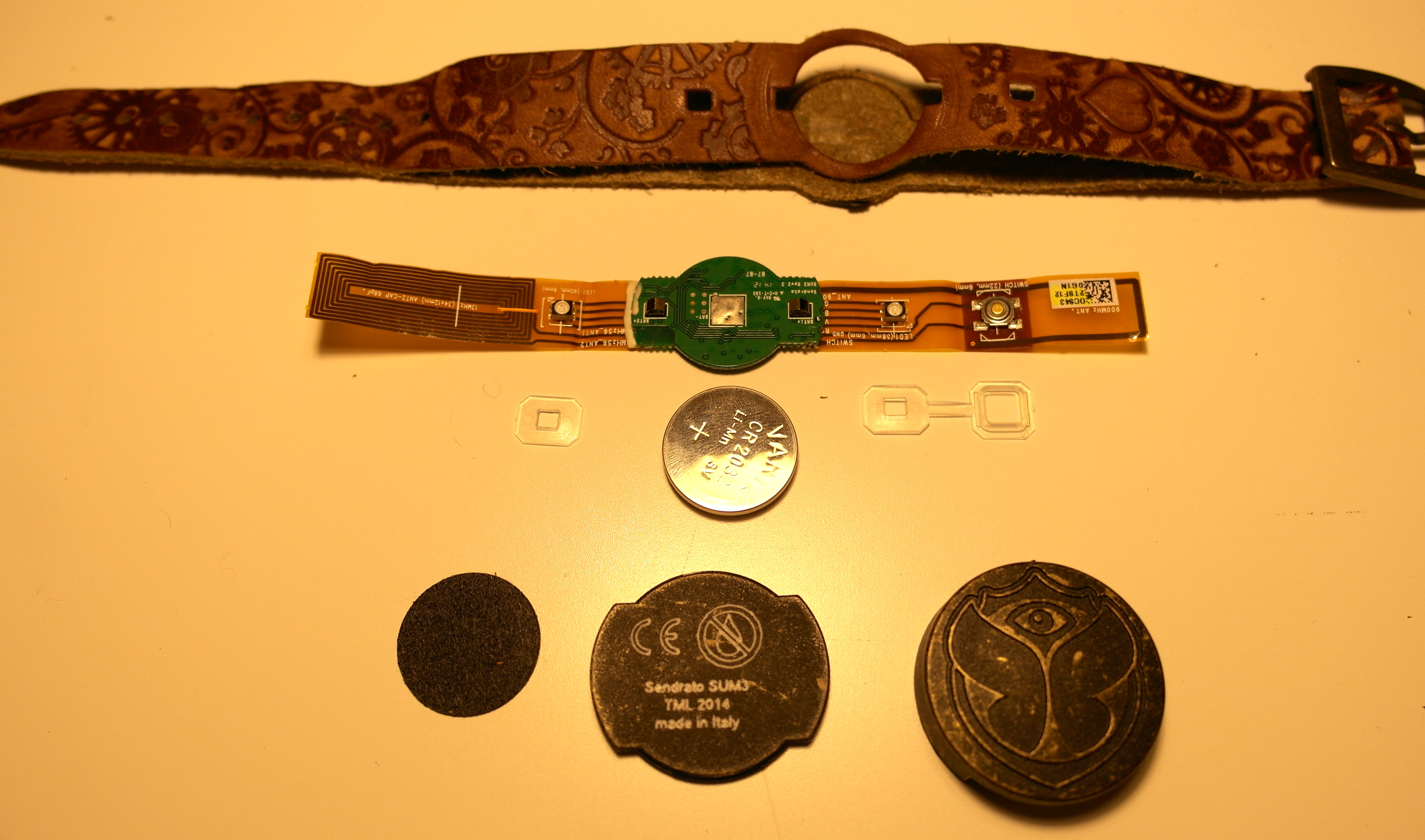 2014-11-17-TML-bracelet-teardown-5