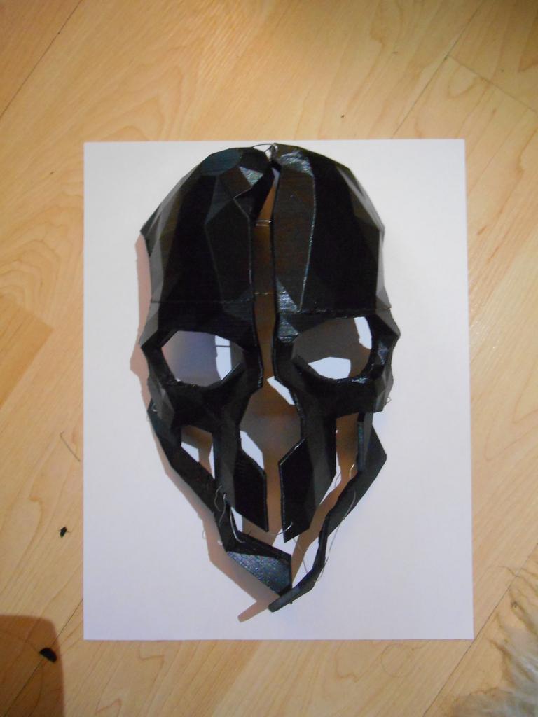 corvo-mask_display_large