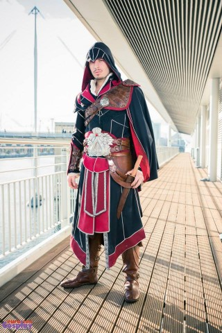 ezio costume 1