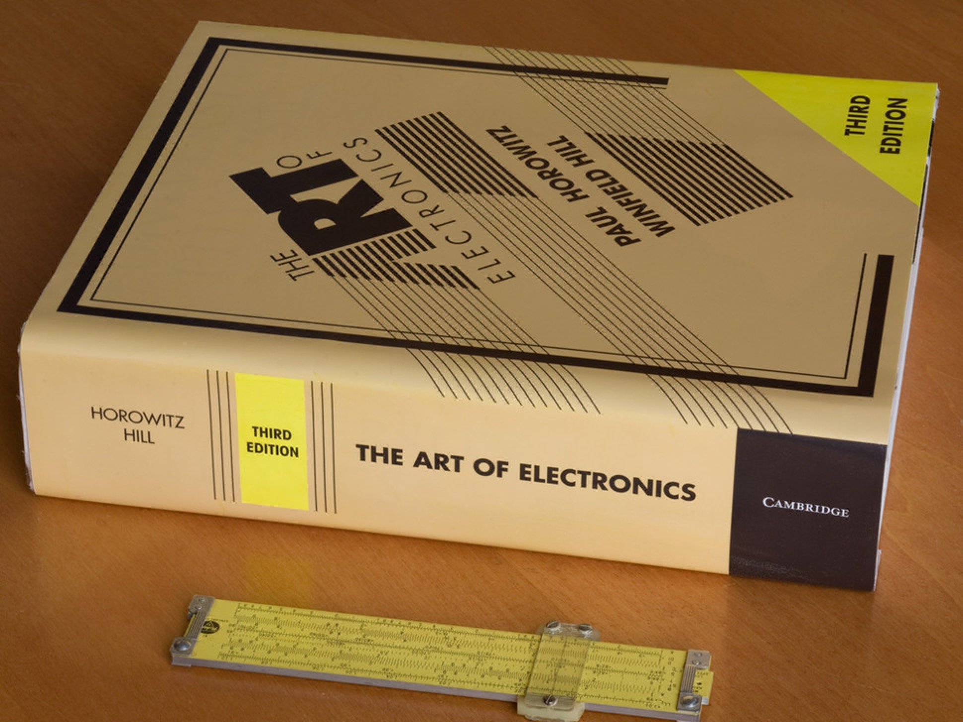 Breaking News The Art Of Electronics 3rd Edition By Horowitz Circuits Book 01