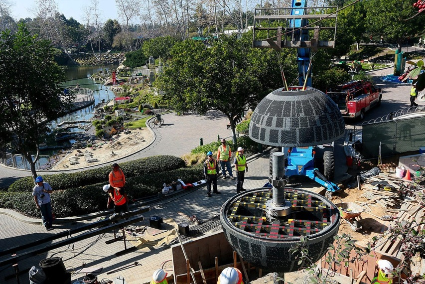 500 000 piece Death Star lands at Legoland pictures CNET Page 4