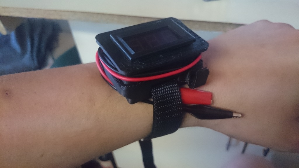 armband-volt-meter-4