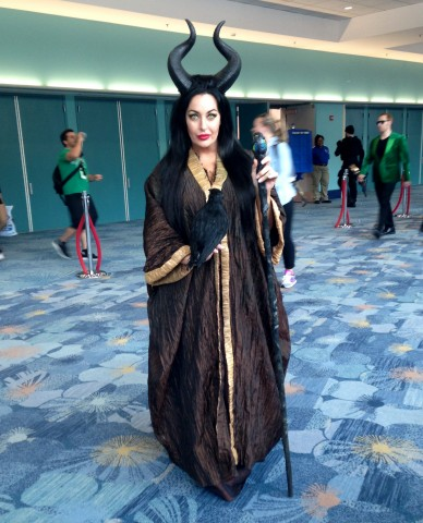 WonderCon-Cosplay-Maleficent-04072015