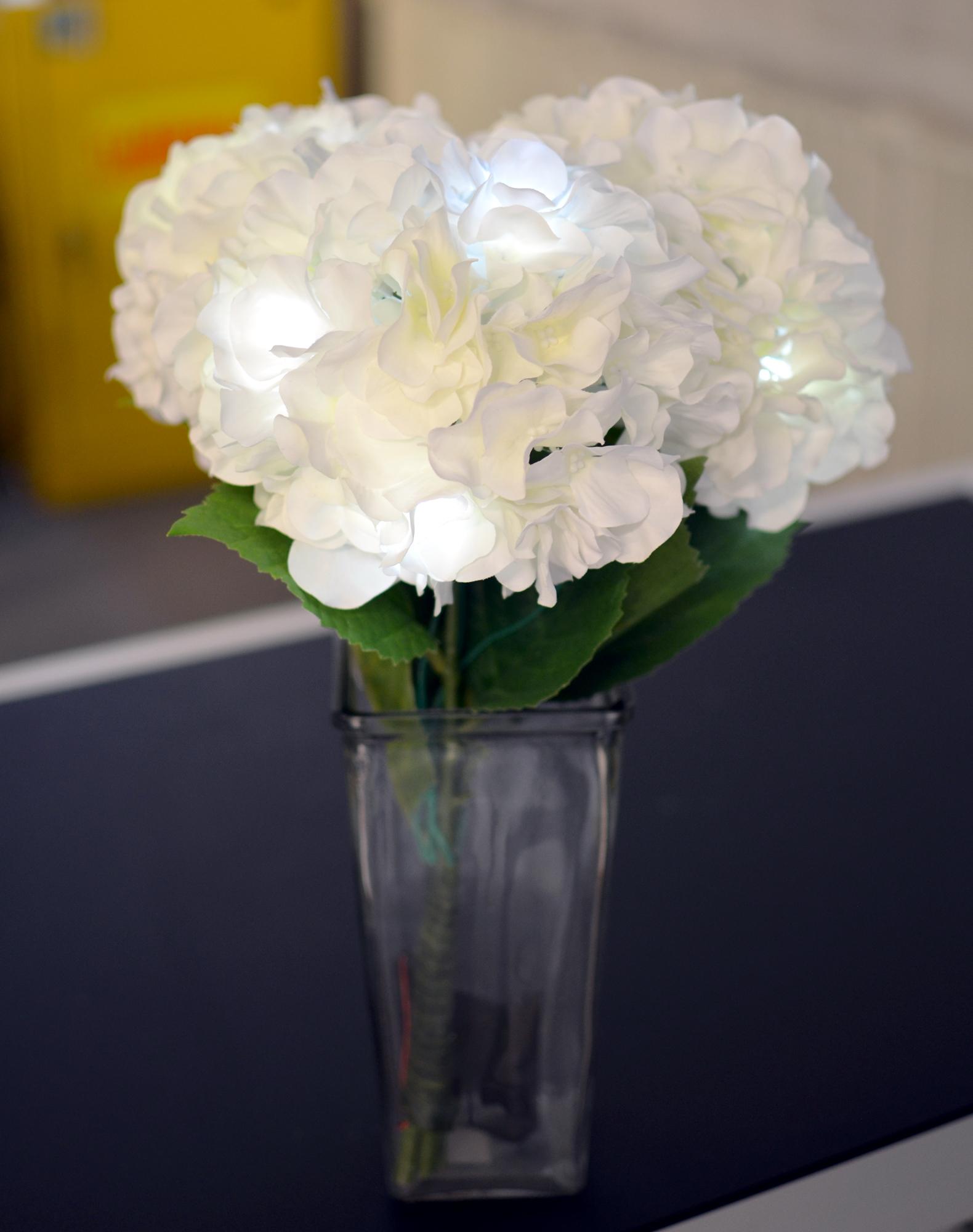 led-flowers-thumbnail