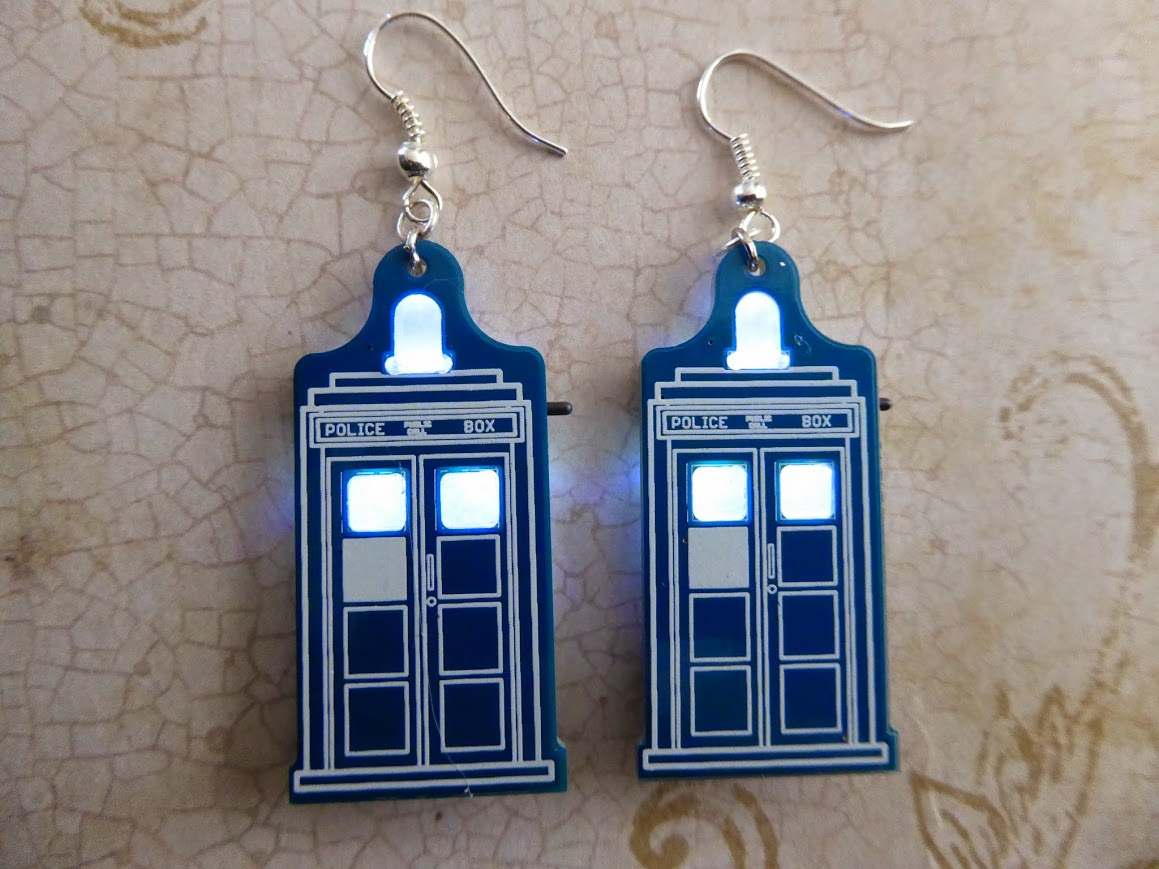 tardis-earrings-1