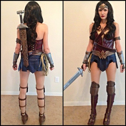 Batman v Superman Wonder Woman cosplay 1