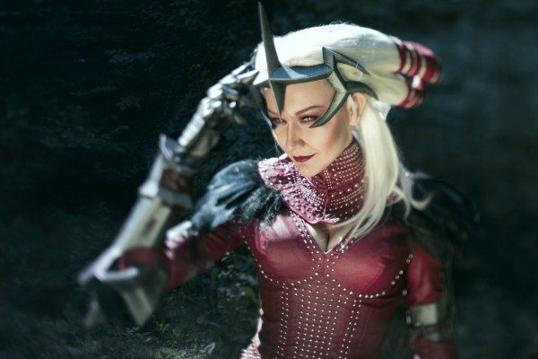 dragon_age_ii___flemeth_cosplay_by_monoabel-d7x9kmn