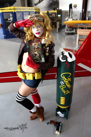 Bombshell Harley Quinn Cosplay 1