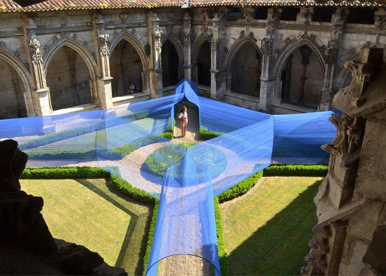Les Voutes Filantes installation Cahors France Atelier YokYok dezeen 784 0