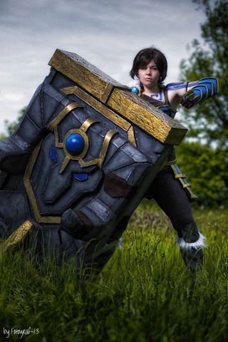 League of Legends Braum cosplay 1