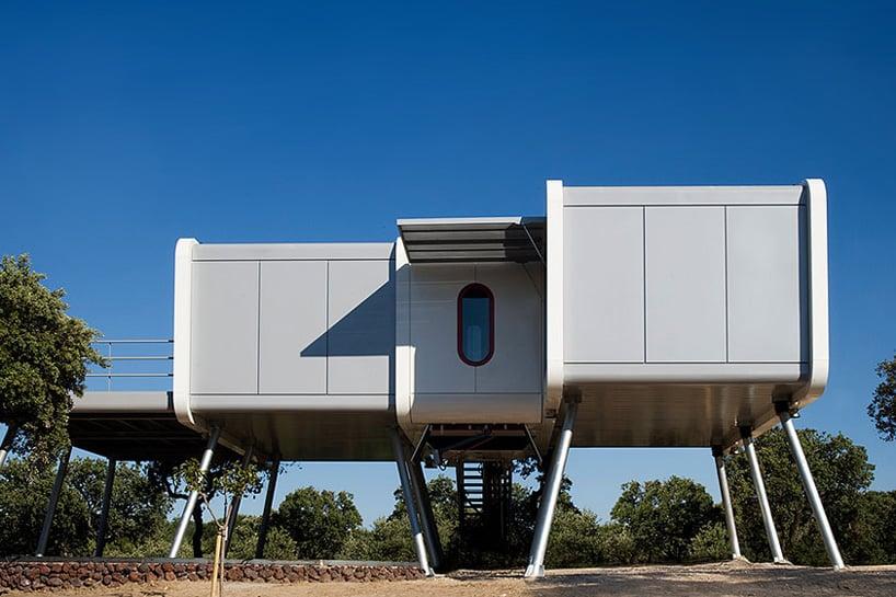 Noem the spaceship home la moraleja madrid designboom 01
