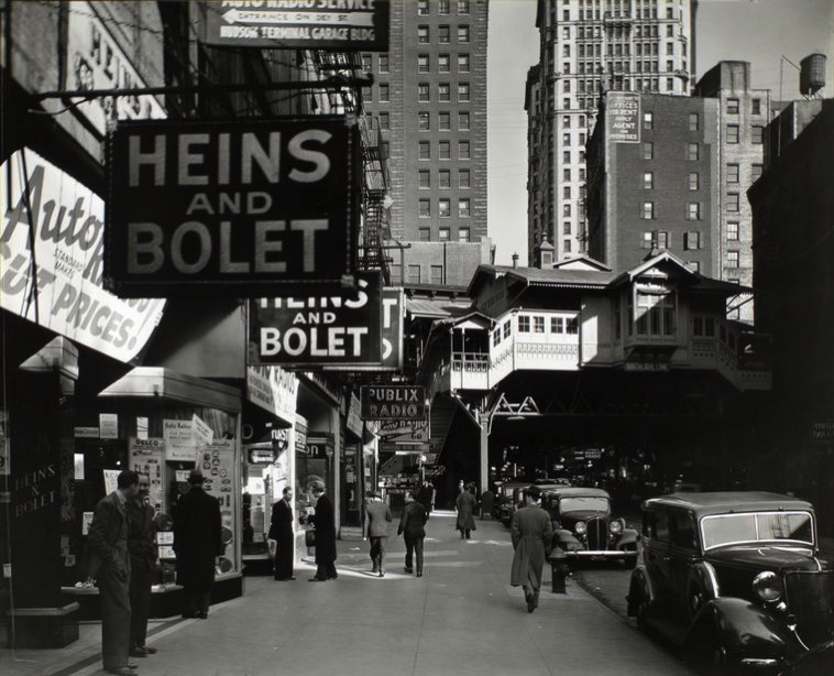 Radio Row Berenice Abbott