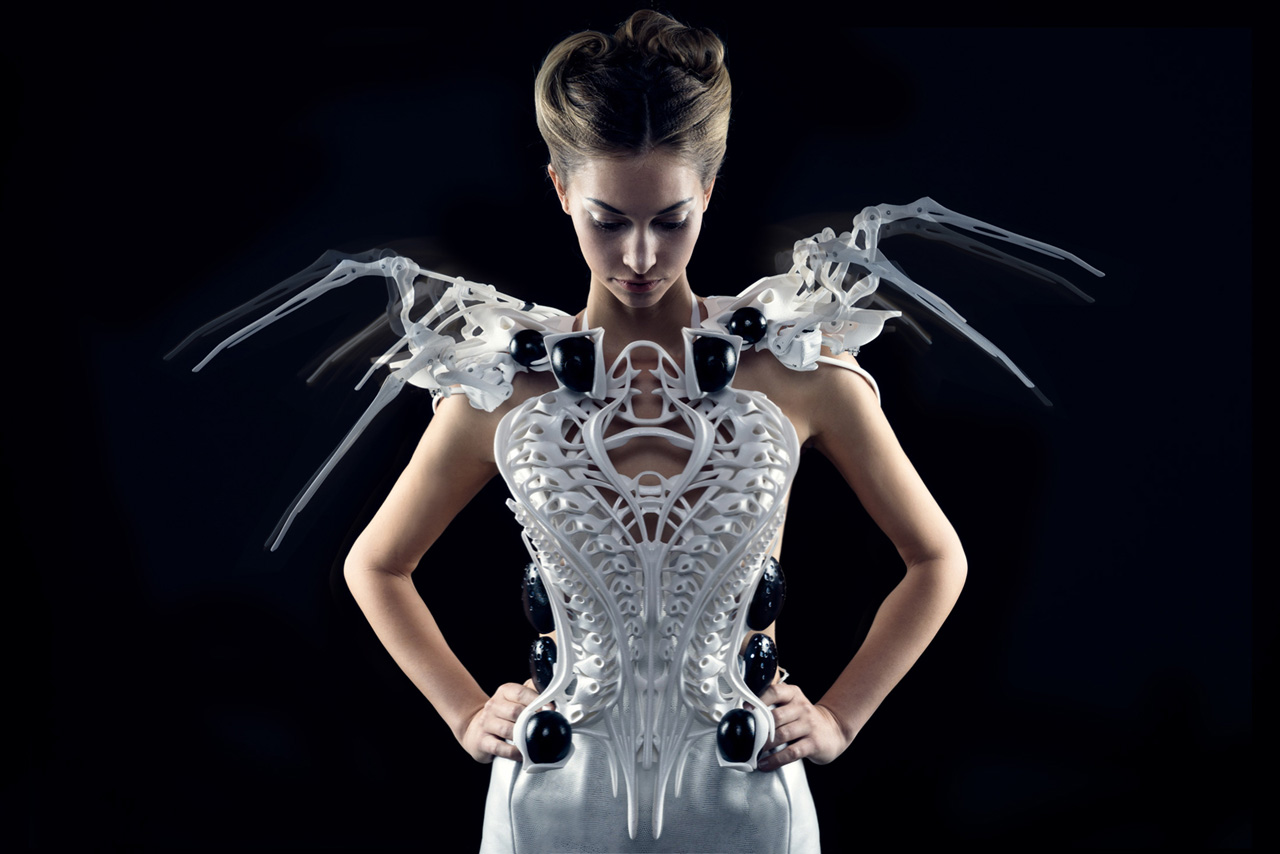 3040233 slide s 3 the spider dress fends off unwanted advances with its claws