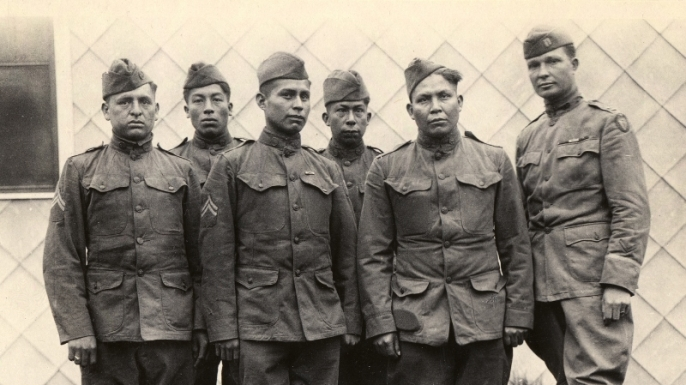 hith-wwi-native-american-code-talkers-choctaw_code_talkers-800x701-E