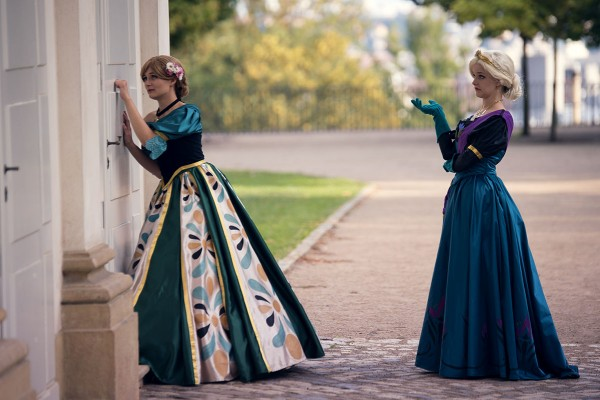 1840s frozen gowns 2