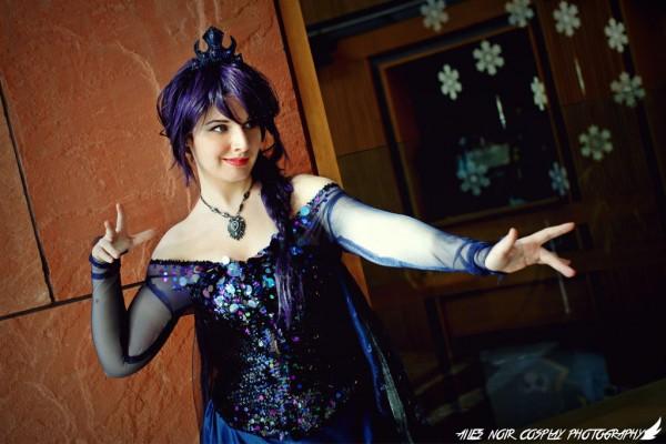 Dark Elsa cosplay 1