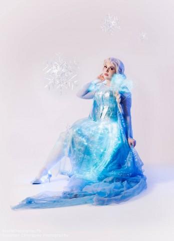 glowing elsa dress 1